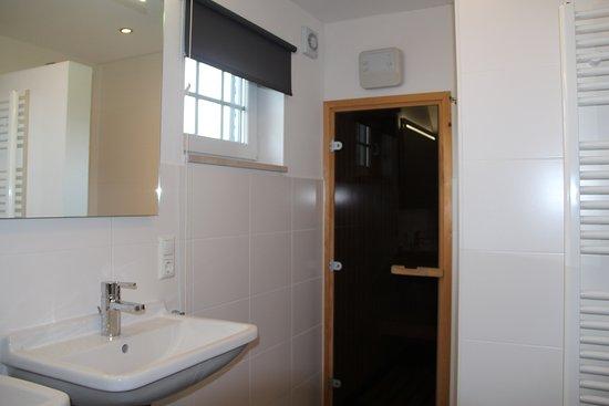 Sauna In Badkamer : Badkamer boven type 9l met sauna bild von buitenhof de leistert