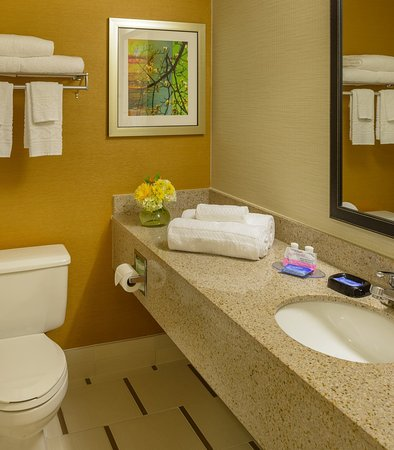 Collinsville, IL : Guest Bathroom