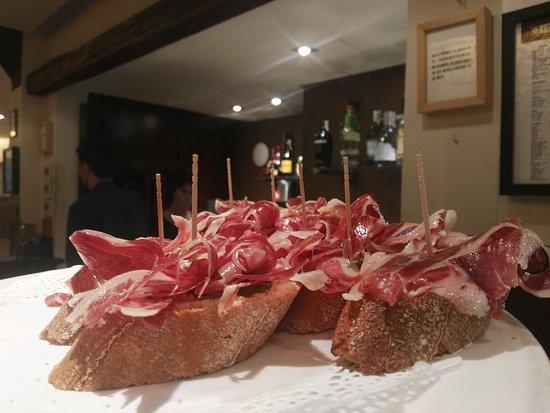 Irati Taverna Basca: TA_IMG_20161229_135650_large.jpg