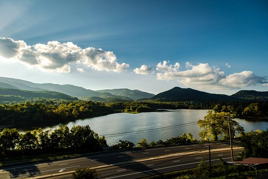 Caryville, TN: Beautiful Lake Vista