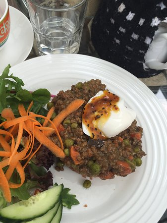 Bundanoon, Australien: Terrace Mince - served with a poached egg on sourdough