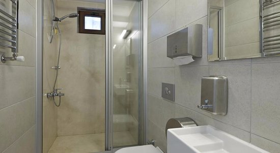 Stay Inn Taksim Hostel: shared bathroom