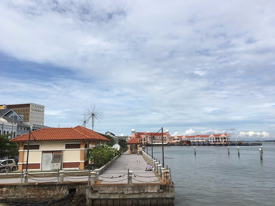 Penang Ferry Service: 乘渡輪可以一覽檳城島的景色