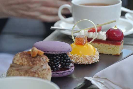 Gidleigh Park Hotel: Extraordinary cakes that burst into sensational delights in the mouth.