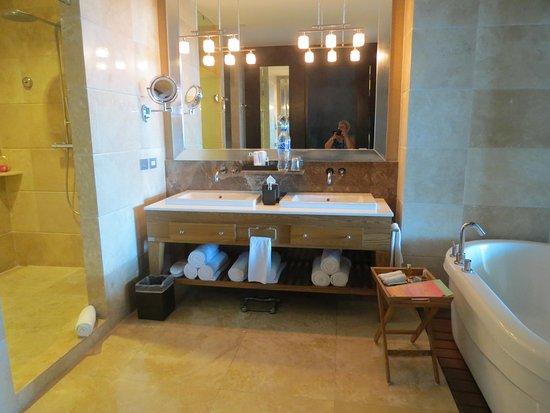 grand luxxe nuevo vallarta salle de bain 2 lavabos bain tourbillon et trs - Grand Lavabo Salle De Bain