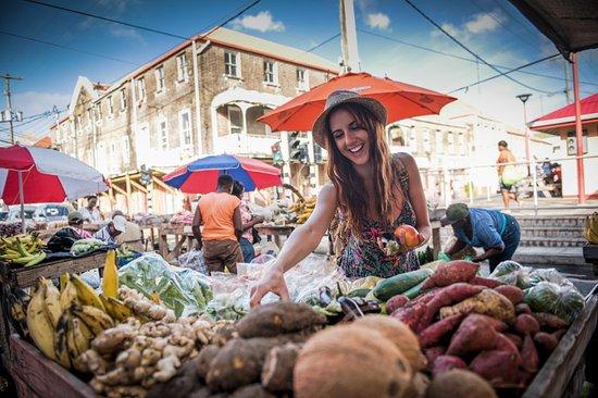 Grenada: Saint George's Market Square