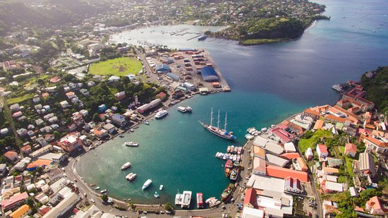 Grenada: Aerial view of the Carenage, Saint George's
