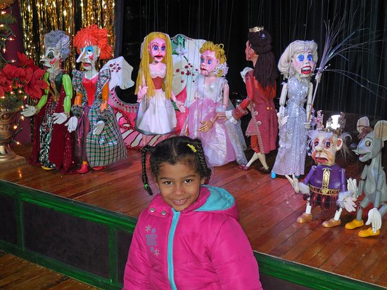 Lancaster Marionette Theatre : Robert Brock, marionette maker & person who does shows, offers a tour for all attending before p