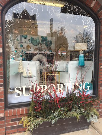 Wooster, OH: Window display 2016