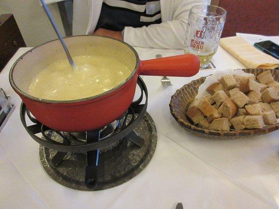 Glacier Hotel Restaurant : チーズフォンデュ