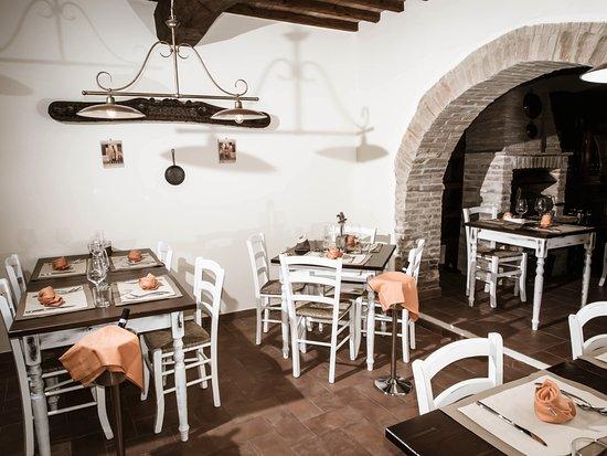 Torre Valbiancara - Taverna Gourmet: Torre Valbiancara taverna gourmet