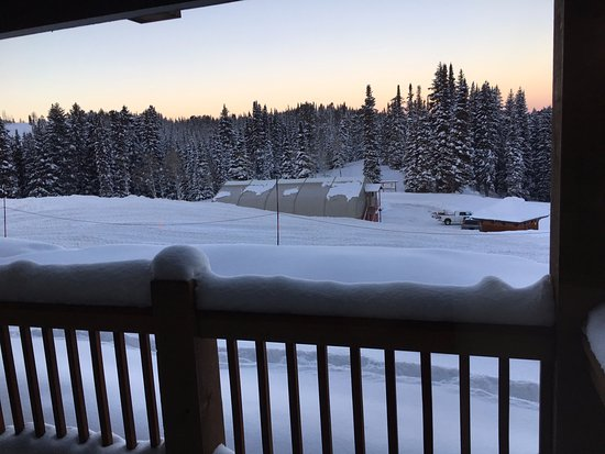 Sioux Lodge At Grand Targhee Resort : View from small balcony