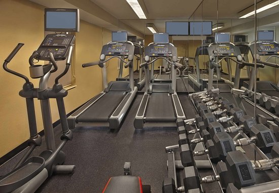 Tewksbury, MA: Fitness Center
