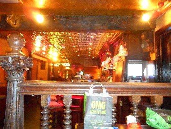 The Front Door Sonny's Bar and Restaurant : dedans