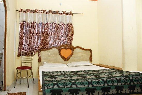 P N Ganga Hotel