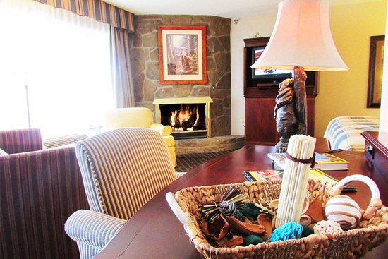 Jr King Suite with sofa bed, fireplace and jacuzzi - Picture of ...