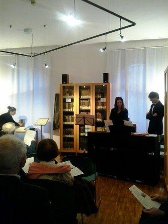 Ostiglia, Италия: Sala ascolto della Biblioteca Musicale Greggiati