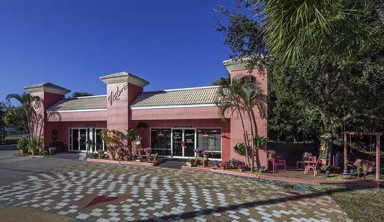 Bonita Springs, FL: Victoria's Place -- An experience you'll always remember!