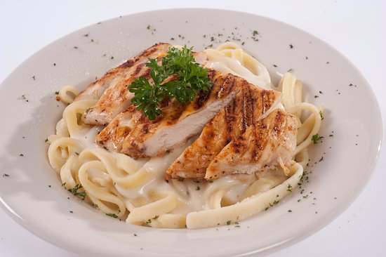 Sterling, CO: We had the chicken Alfredo