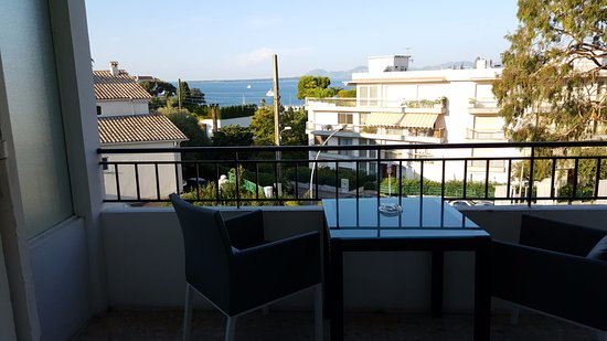 La Villa : Ce qui est vendu pour une vue mer..