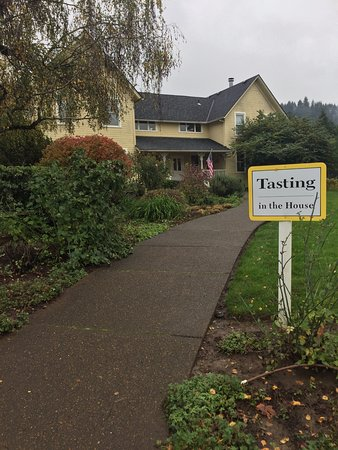 Forest Grove, OR: the front of the tasting room