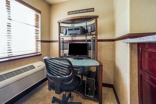 Comfort Inn: Business Center