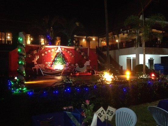 Spectacle Noel Diner spectacle le soir de Noel   Picture of Coral Hotel