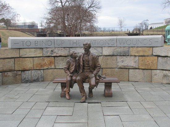 American Civil War Center at Historic Tredegar: Statue of Pres. Lincoln and Son Tad at Historic Tredegar
