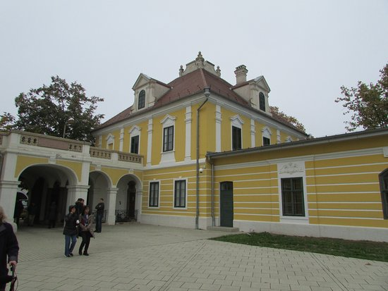 Vukovar, Croacia: beautiful building