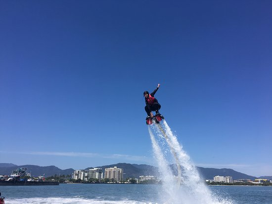 Flyboard Cairns : flying high!