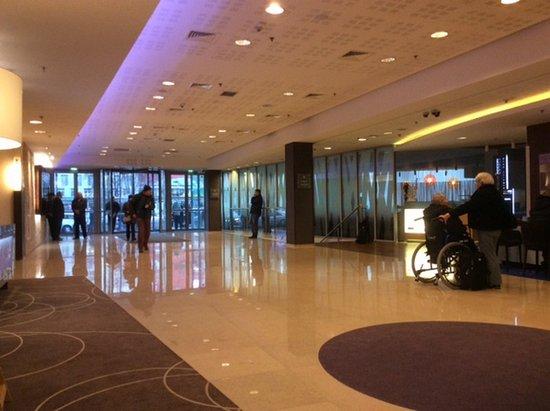 Mercure Warszawa Grand: La Hall principale