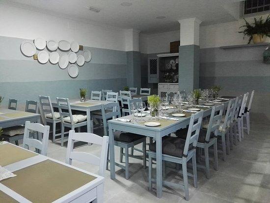 Restaurante crumble gastro bar en marbella con cocina for Cocinas marbella
