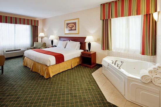 New Milford, PA: King Jacuzzi Suite