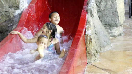 Baxter, Μινεσότα: The red slide is great for smaller kids.