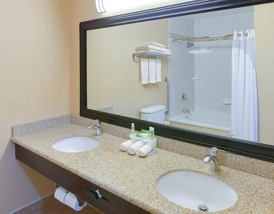 Oakdale, Califórnia: Guest Bathroom