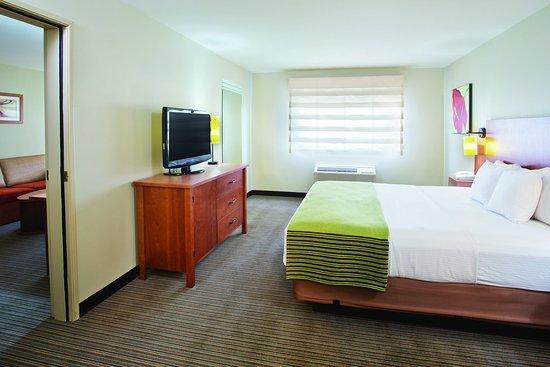 La Quinta Inn & Suites Helena: Suite S1 2