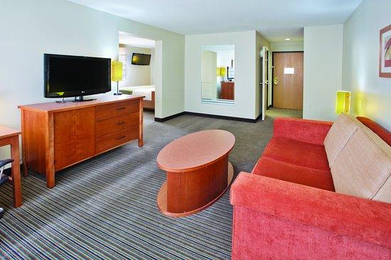La Quinta Inn & Suites Helena: Suite S1 3