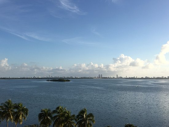 Doubletree by Hilton Grand Hotel Biscayne Bay: View from balcony