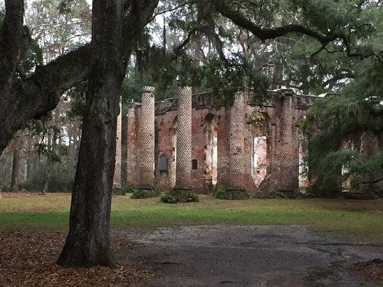 Yemassee, SC: Even in the rain it's a nice stop. Park and walk, no charge.