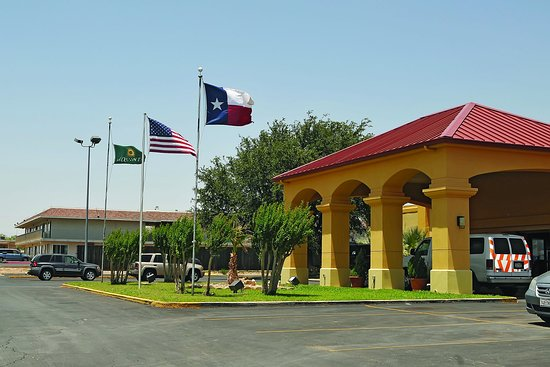 Sweetwater, TX: Exterior