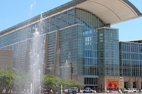 Schiller Park, IL: McCormick Place Convention Attendees stay for the value