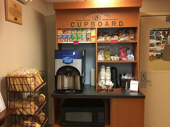 Schiller Park, IL: Complimentary 24 Hour Coffee