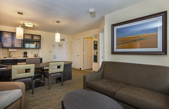 Candlewood Suites Louisville Airport : Guest Room
