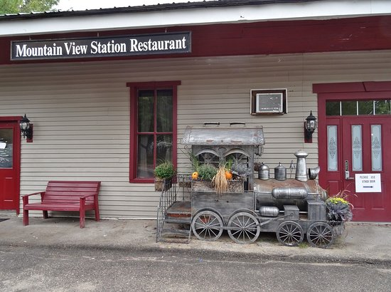 Center Ossipee, Nueva Hampshire: Train motif throughout!