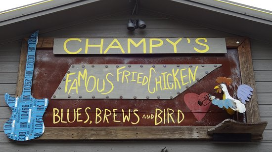Muscle Shoals, AL: Fun decor at Champy's