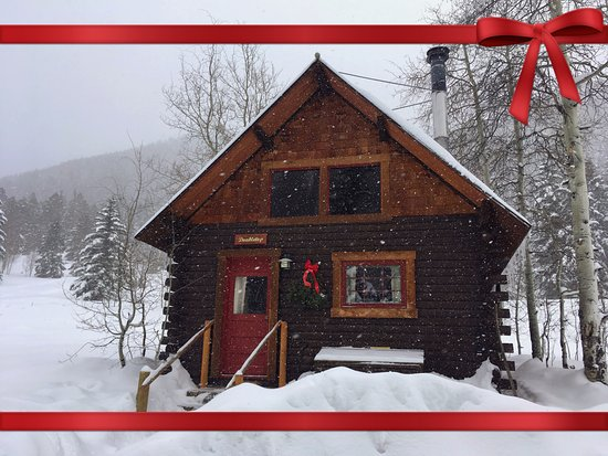Pioneer Guest Cabins: The Doubletop Cabin on Christmas Day