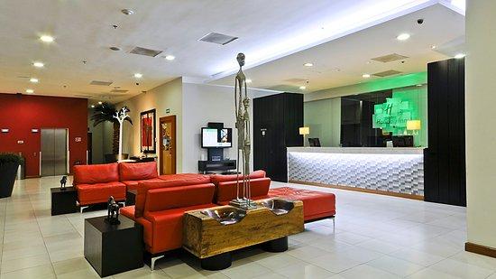 Holiday Inn Irapuato: Hotel Lobby