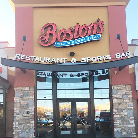 Boston's Restaurant & Sports Bar: photo0.jpg