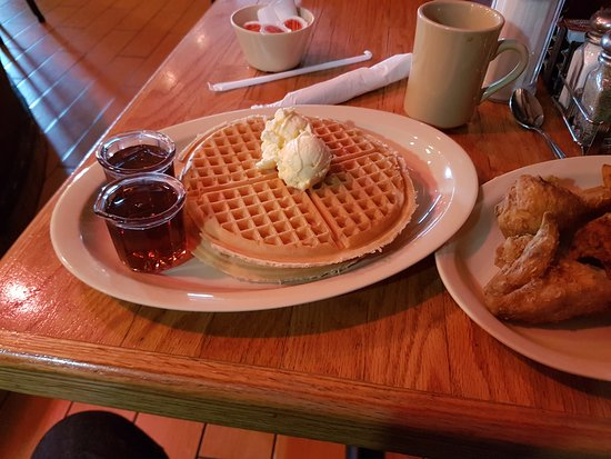 Roscoe's House of Chicken & Waffles: Chicken and Waffles