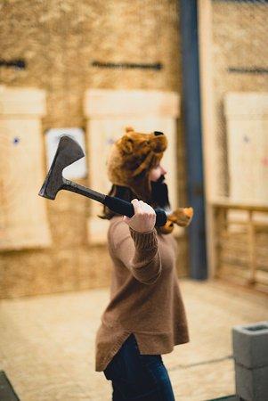 เซอร์เรย์, แคนาดา: The perfect axe throwing hat!